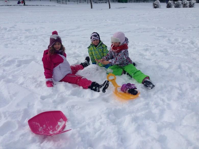 Prvošolci na snegu